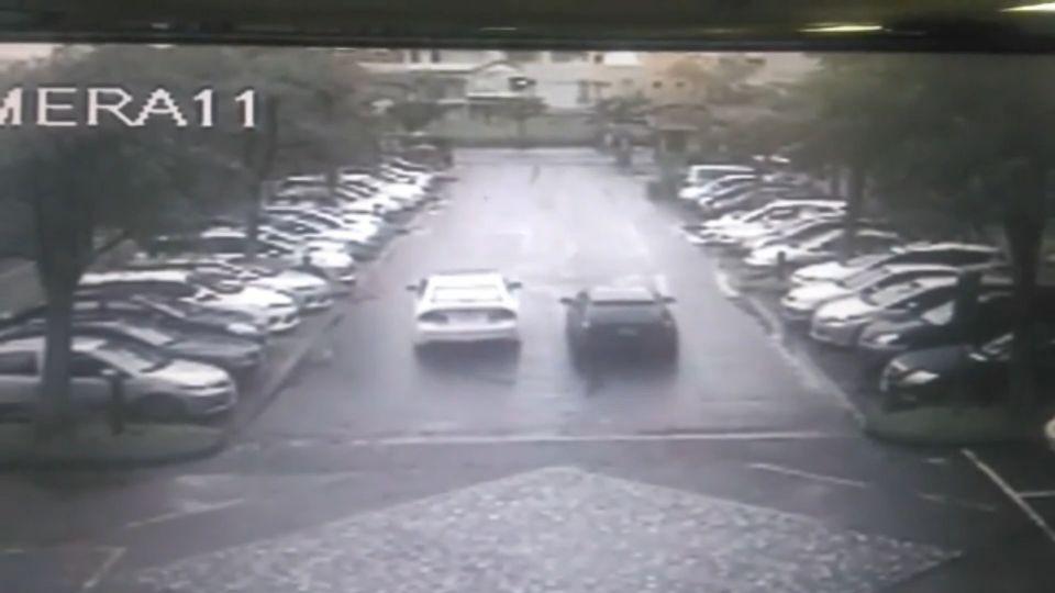 誇張!改裝車校園競速 把停車場當「賽車道」