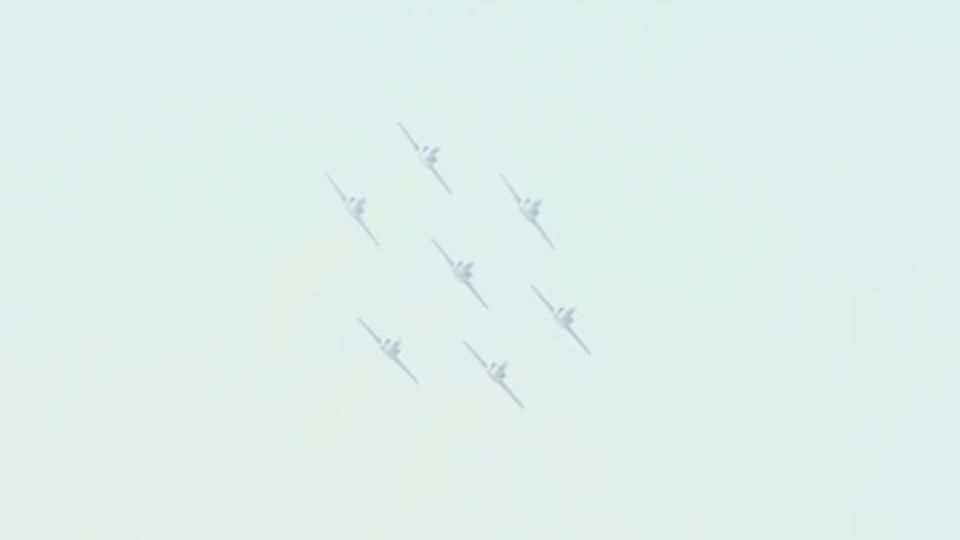 睽違兩年 清泉崗7架AT-3教練機全兵力展演