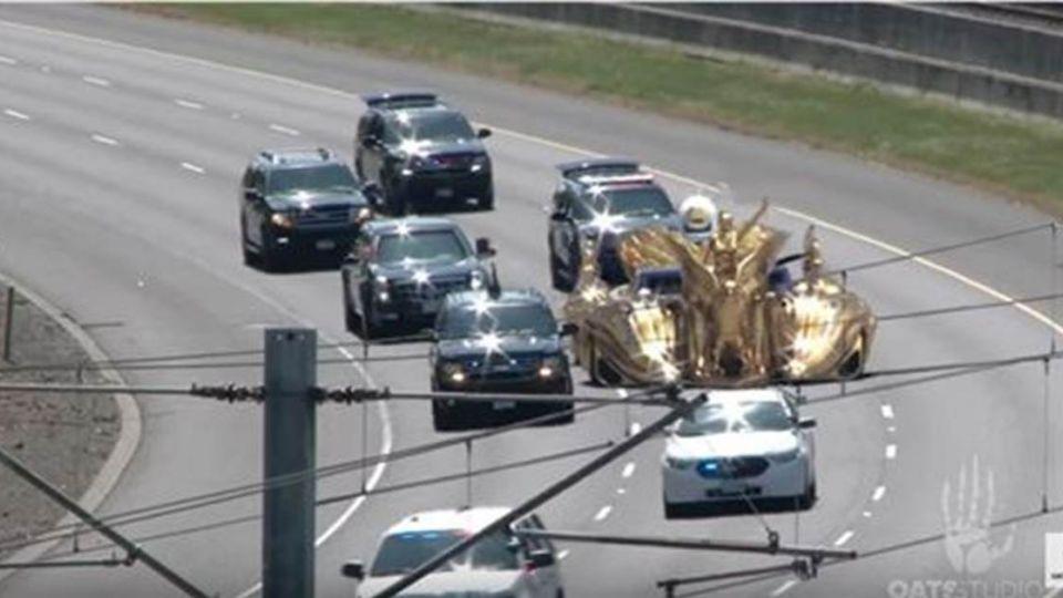 川普超狂新坐駕曝光 飛機裝大砲、汽車金光閃閃