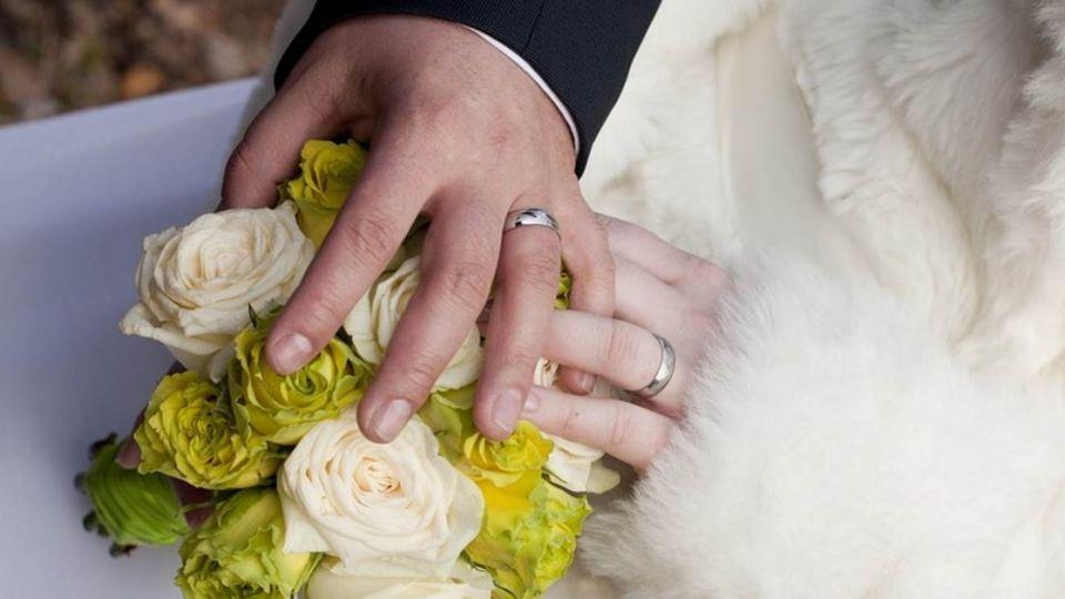 騙婚集團騙到「真愛」!警察獄中作媒「促成好姻緣」