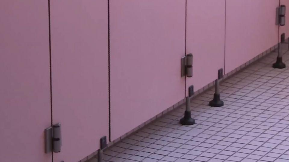 大學女廁偷拍狼 被發現..「對峙5秒」拔腿逃