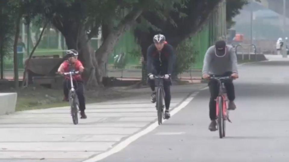 「親子腳踏車雙載」政策可望放寬 評價兩極