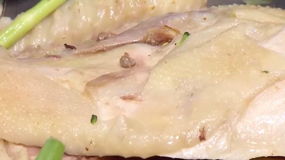 夜市美食鹽水雞 雞胸肉、花椰菜、雞冠受青睞