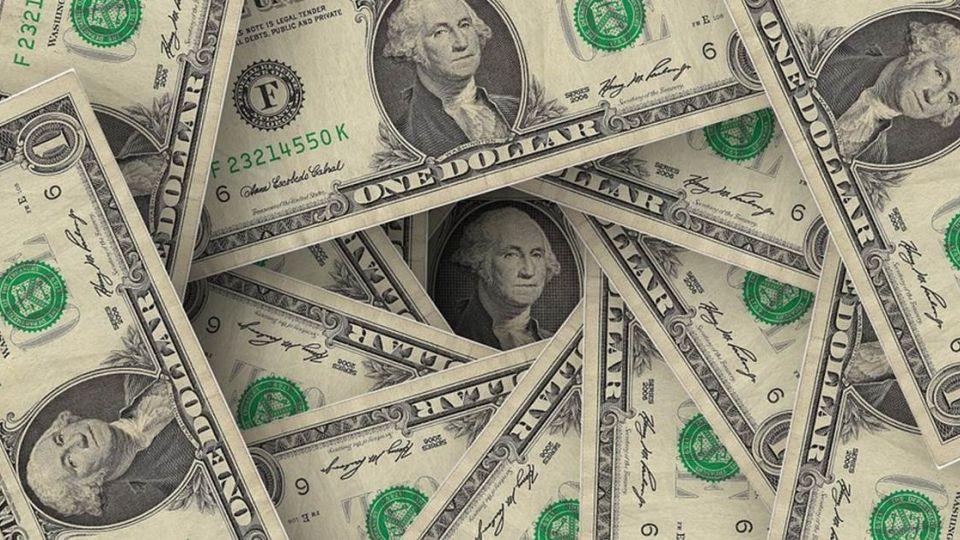 美升息收熱錢  投資人如何面對台股殺、台幣貶?