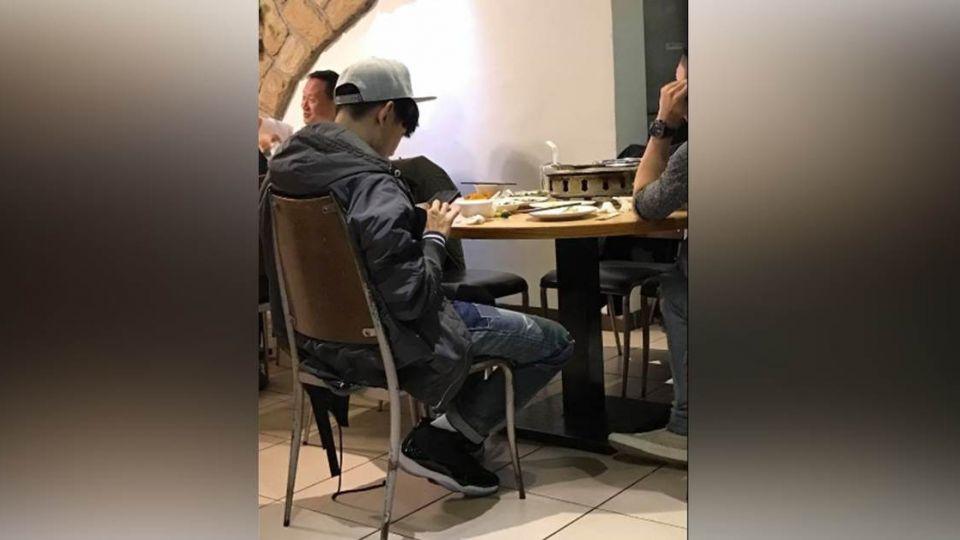 吃晚餐巧遇「喬登11代」帥哥 原來鞋子的主人正是「他」!