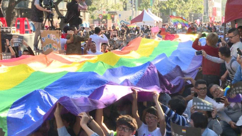 挺同反同交鋒!「同性婚姻法制化」立院初審通過