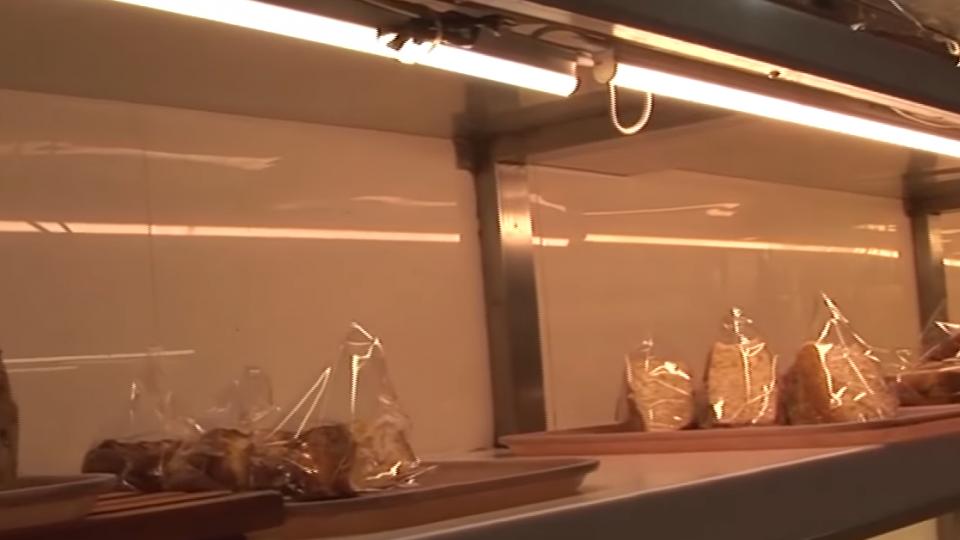 裝LED燈不付錢? 控知名麵包店欠款還殺價