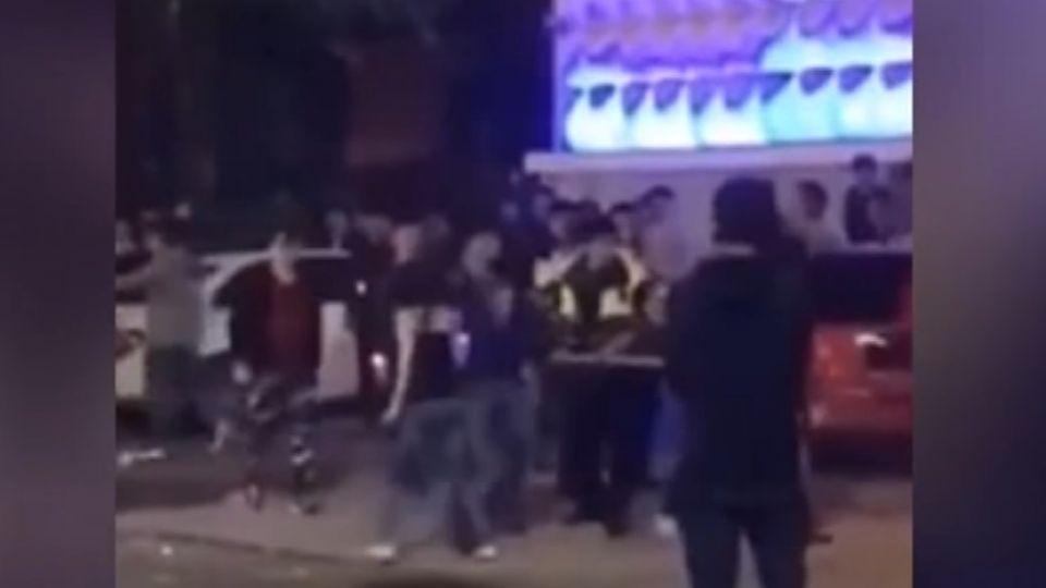 跨年夜店狂歡爆衝突 酒客持棍棒互毆
