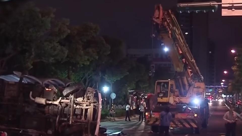 泵浦車倒退嚕撞1死6傷 業者判8月
