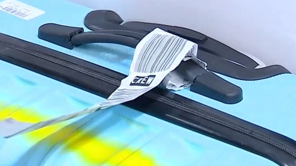 機捷拆椅增行李空間 杯架改無線充電