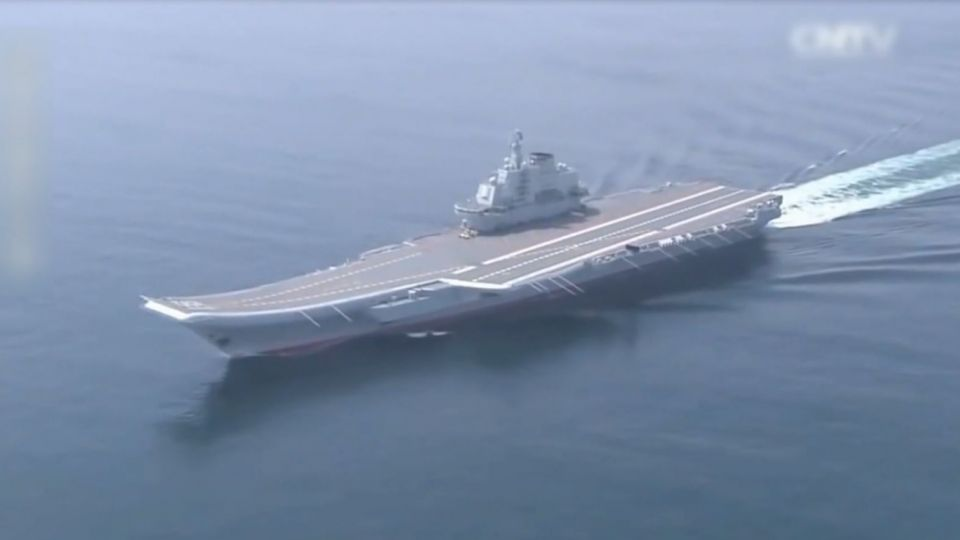 遼寧艦沿台灣海峽中線以西航行 我成功艦「伴隨」監控