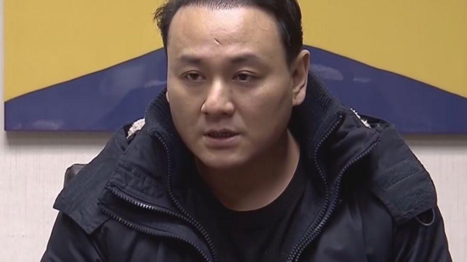 涉毆打香港社運人士 白狼次子回國複訊