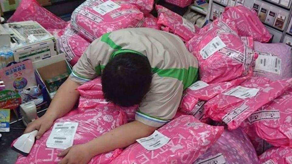 包裹淹沒店員!一張圖秒懂「台灣消費力量」 神店員:要補眠了