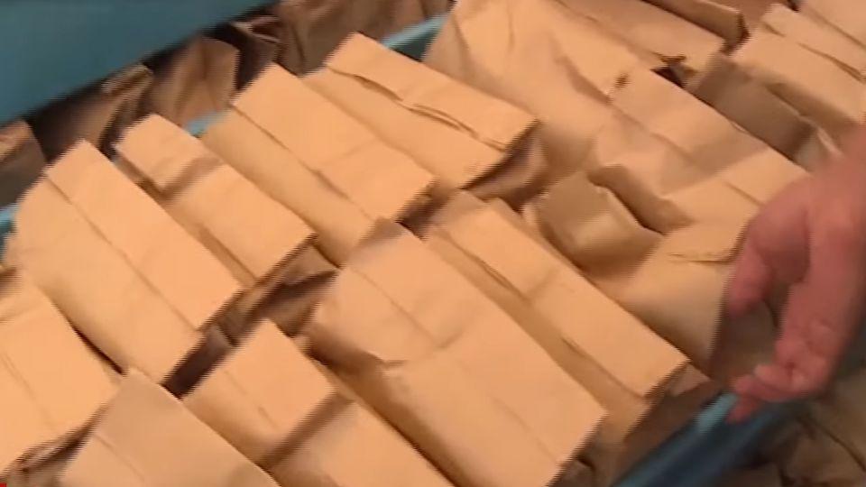 彰化市發放敬老禮金 1億2千萬紅包警戒護