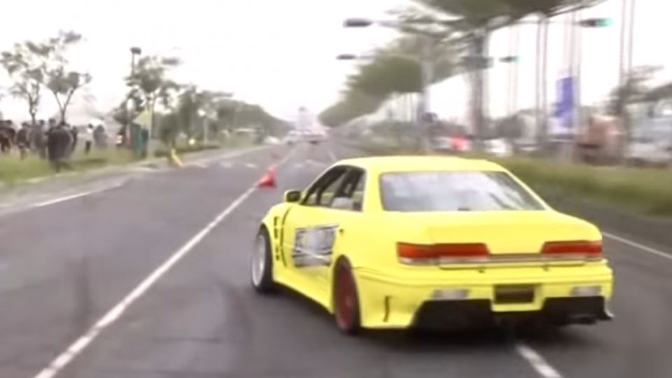 路封一半辦「賽車飄移」沒安全措施險撞人