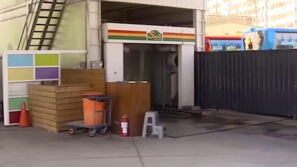 加油站員工腳掌捲入洗車機 目擊民眾驚嚇