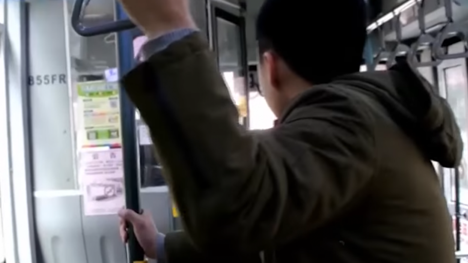 抓緊把手! 北市公車乘客去年平均兩天一摔