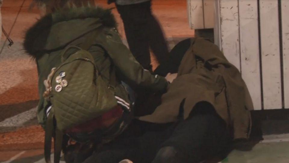男車禍昏迷前致電求救 正妹好友團衝現場救援