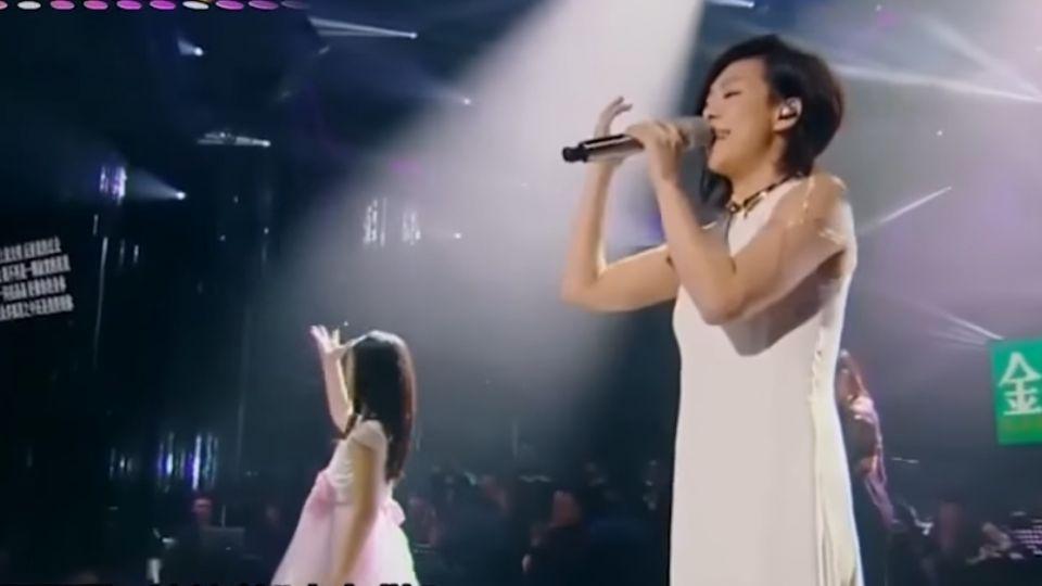 林憶蓮唱「克卜勒」 失聰女孩比手語逼哭全場