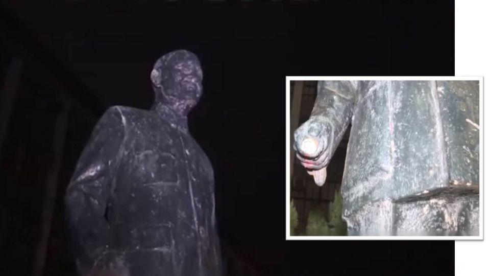 鋸完拐杖再砍腳!輔大生夜拆蔣介石銅像  4生遭警帶回