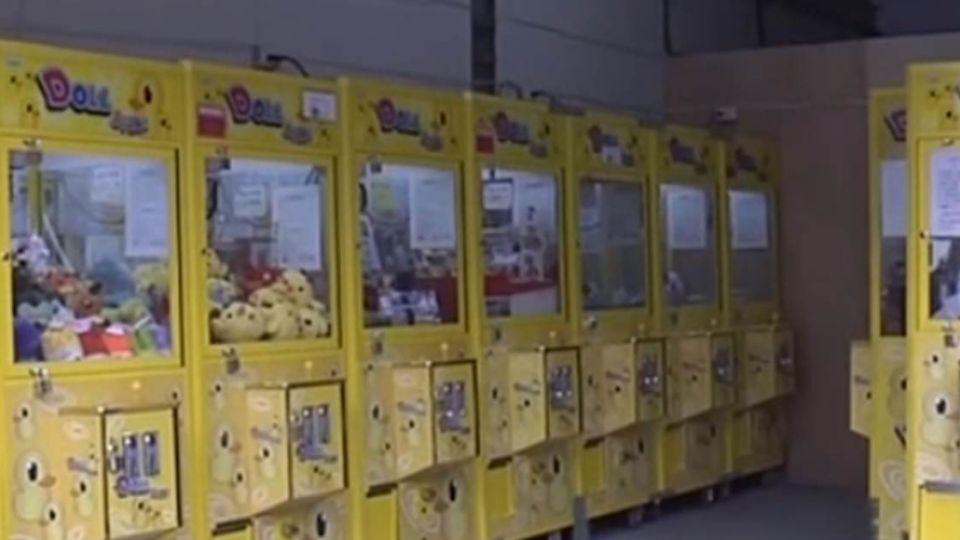 神!2小時夾光店內210隻娃娃 老闆崩潰了