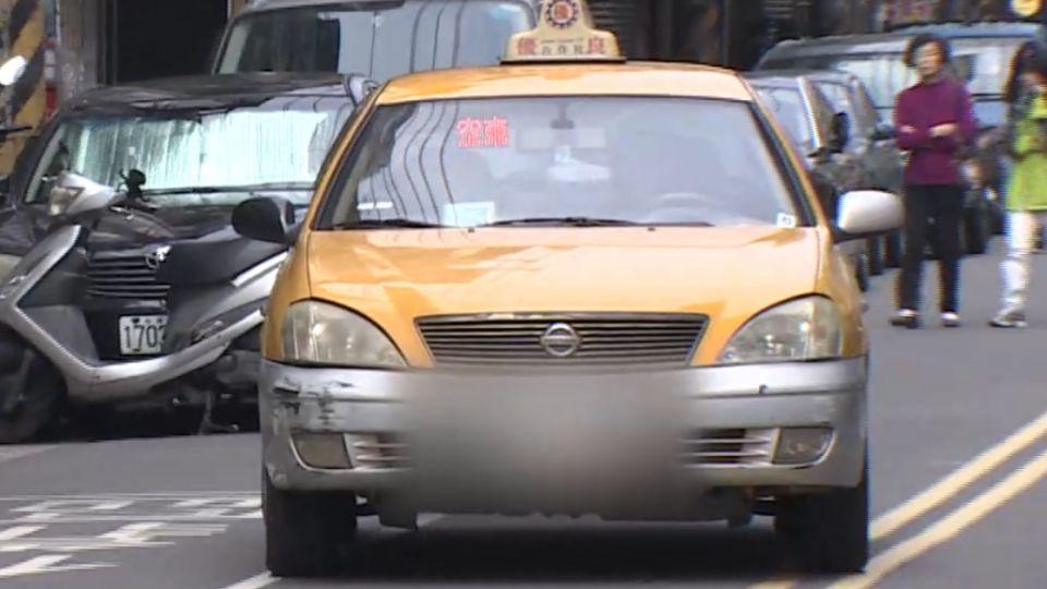 佯裝乘客攔車 匪持電擊棒攻擊運將劫車取財