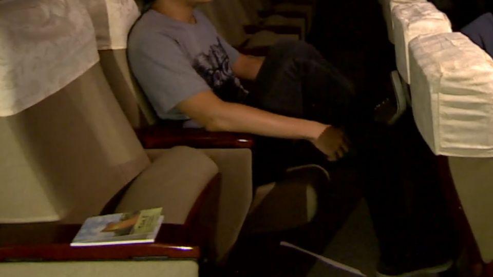 踢椅背、用手機、講劇情 電影院「顧人怨排行榜」