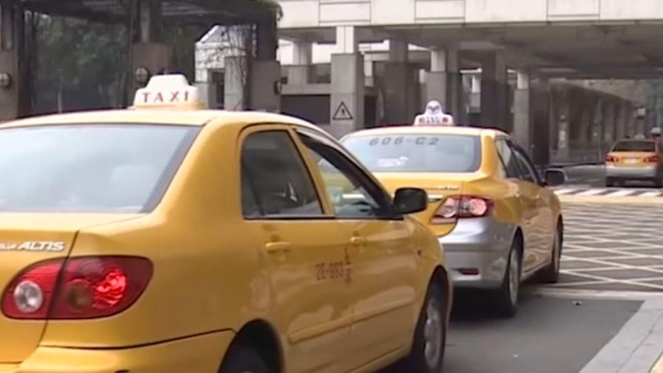 載客小心! 計程車司機車藏防身工具保身