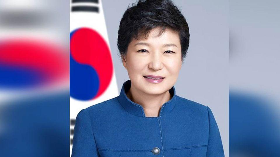 朴槿惠下台確定!成為首位「被彈劾下台的民選總統」