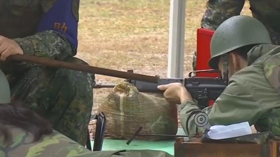 「打得夠好再給十發」 高中生T91實彈射擊