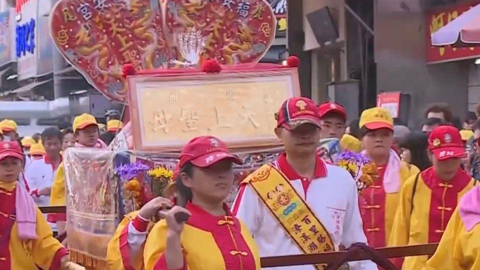 百里進香延續14年 福安宮媽祖徒步到鹿港