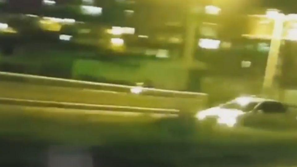拒檢逃逸逆向撞華江橋 警朝前輪開2槍