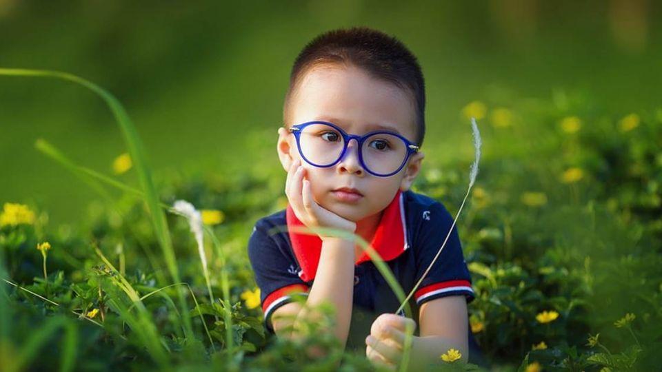 「好聰明、好漂亮」別亂用!四種錯誤稱讚方式恐誤孩子一生