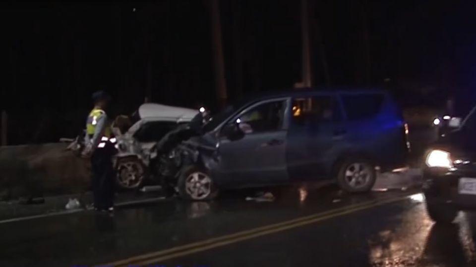 新中橫疑失控打滑意外 兩車對撞釀2死1傷