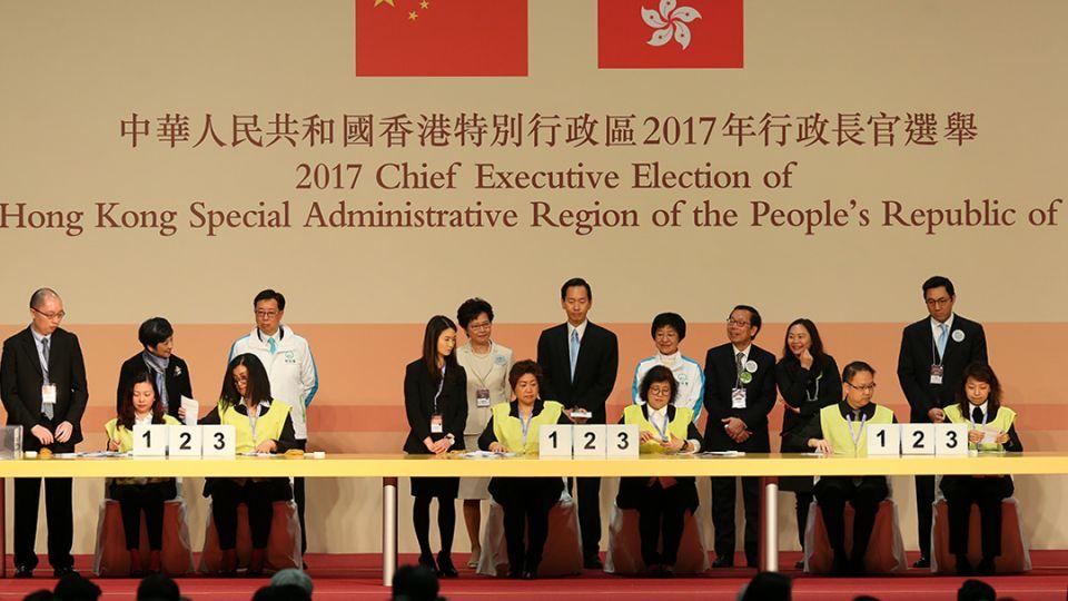 【端傳媒】三幅圖告訴你:林鄭月娥當選香港特首,未來要面對何困難?