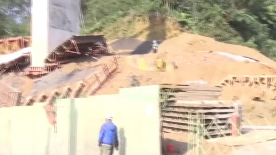 拓寬工程驚傳意外 工人從20尺高處墜落1死2傷