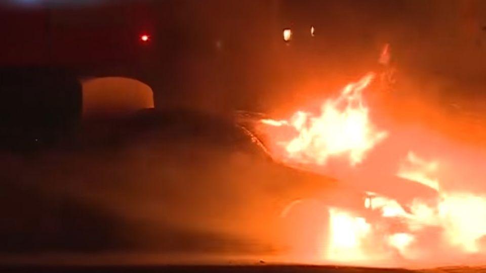 消防泡沫「洗禮愛車」有腐蝕性 車主恐得重新烤漆