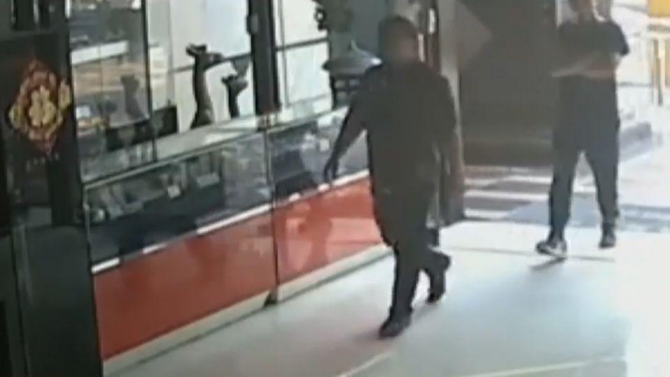 3黑衣煞衝進網路電視台 名主持人弟被毆傷