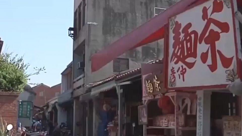 攤販、雨棚、廣告遮老街 日學者:鹿港變醜了