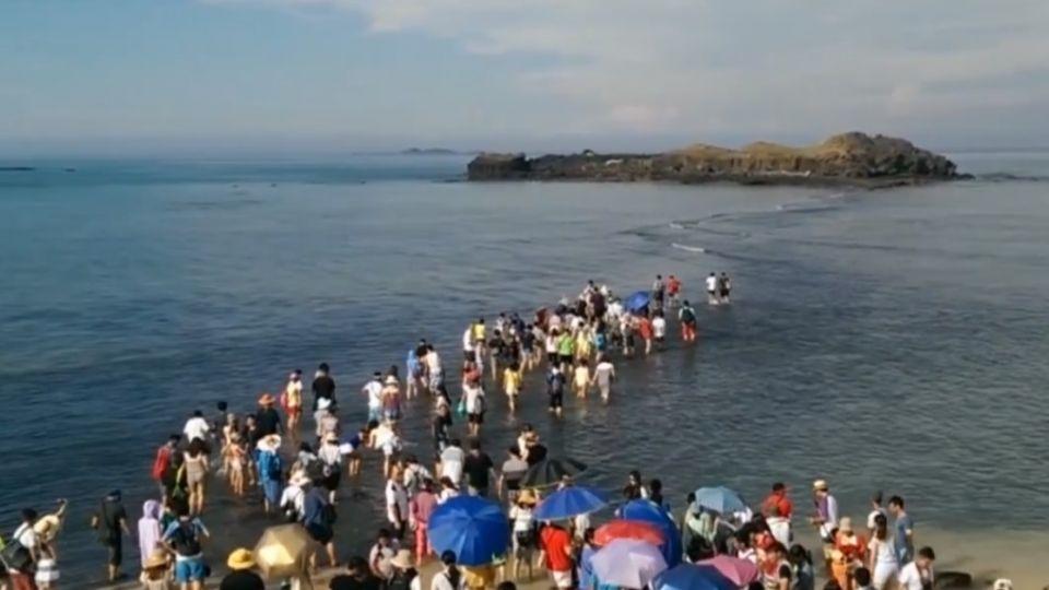 「摩西分海」景點遭破壞 4月起禁登島護生態