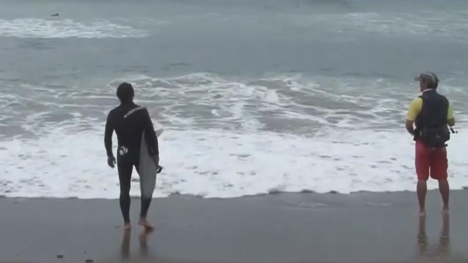西國衝浪客割斷釣線 遭4釣客刺傷險喪命
