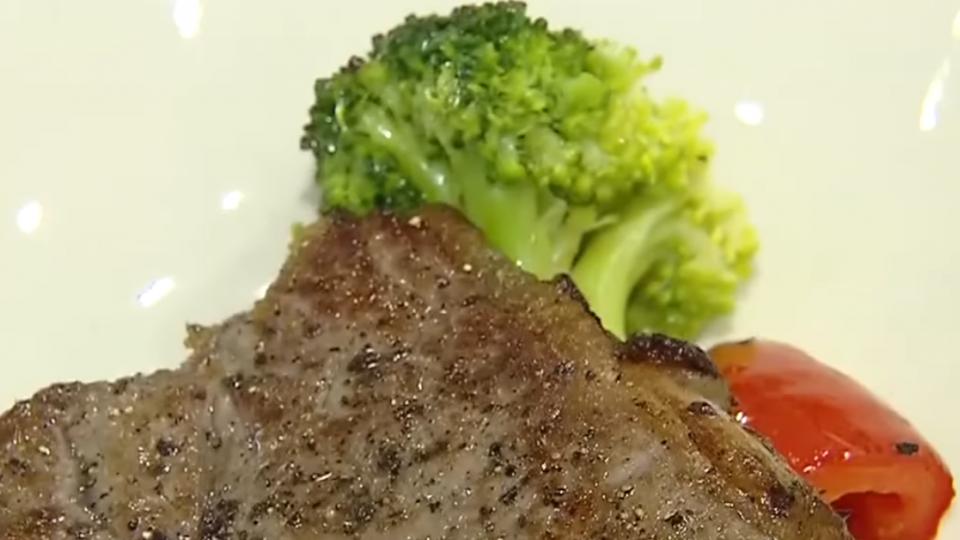 五星型男廚!女神卡卡、Kobe等都吃過他的菜