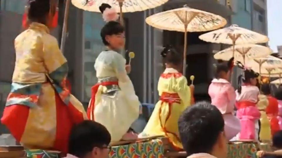 2017迎城隍文化季開跑 小小孩扮古裝人物超吸睛