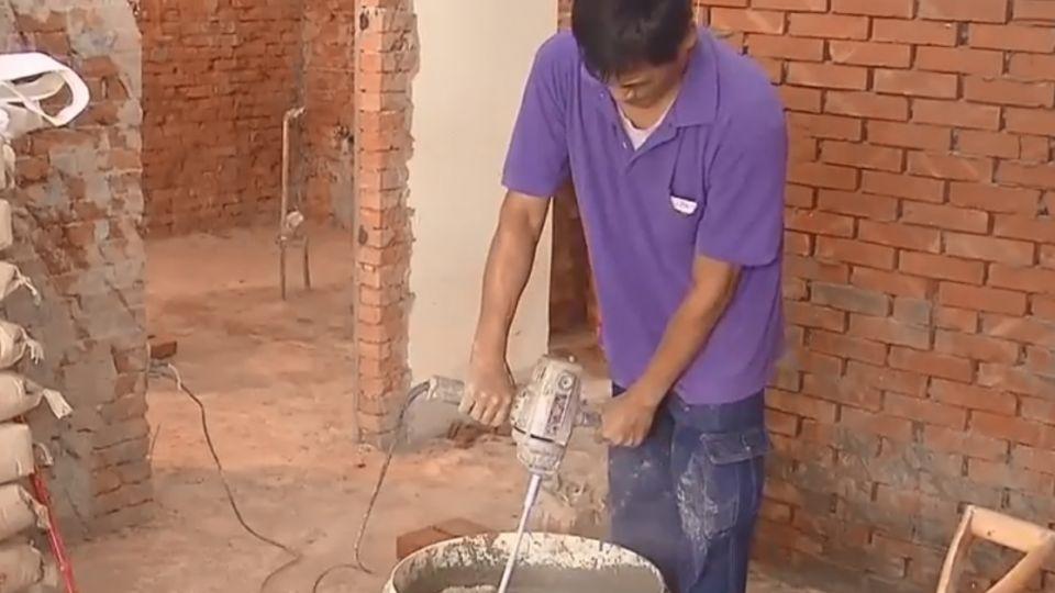 美關島來台徵水泥師傅 日薪4千包食宿