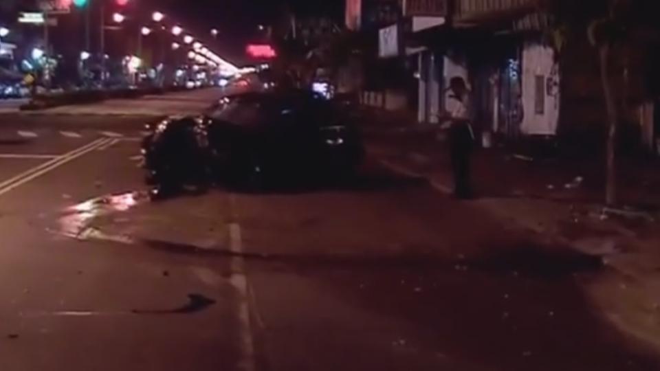 疑車速快!轎車撞機車 騎士遭拖行噴飛不治