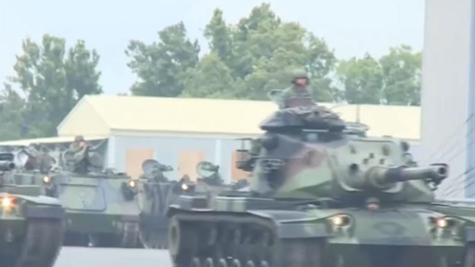 女性也能駕馭裝甲車 國防部公部影片