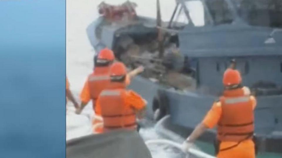 陸船越界祭「人肉盾牌」海巡開5槍2人傷