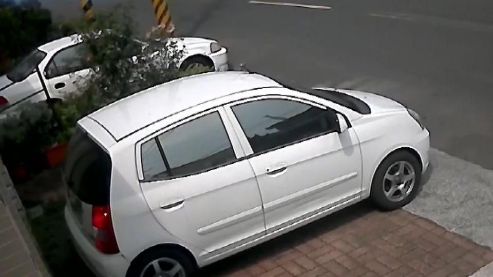 擦撞前鄉代子轎車 兩女遭四人圍毆趴路中