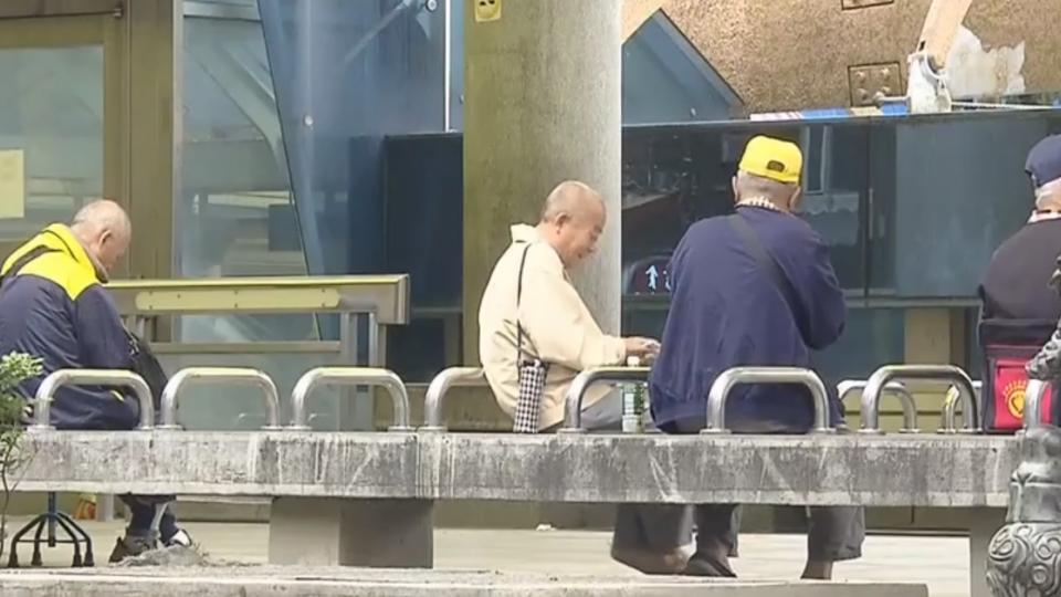 「退休自己養不起自己」 重返職場恐變「過勞老人」
