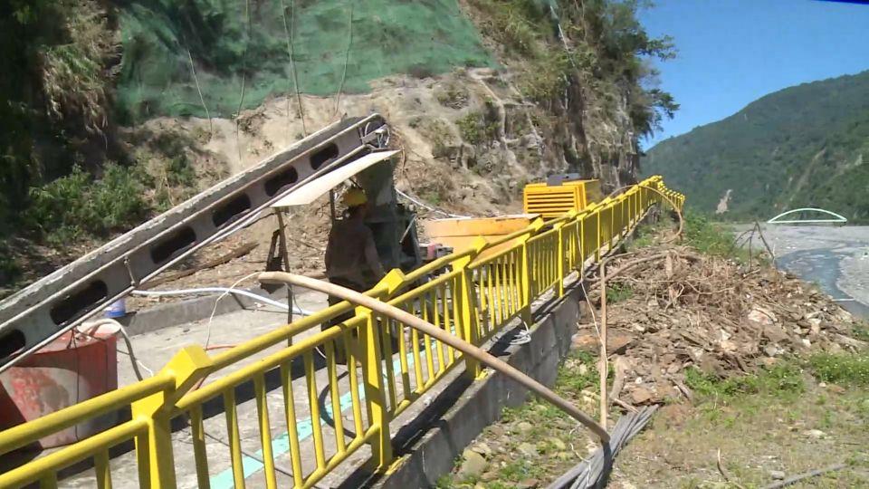 獮猴出沒拿石砸遊客 台東天空步道再封閉